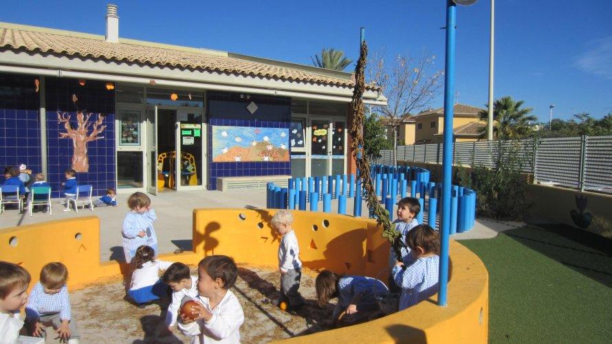Zona exterior escuela infantil Rocafort