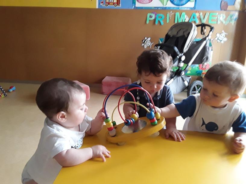 Razones sociales por las que es positivo llevar a los bebés a una escuela de educación infantil